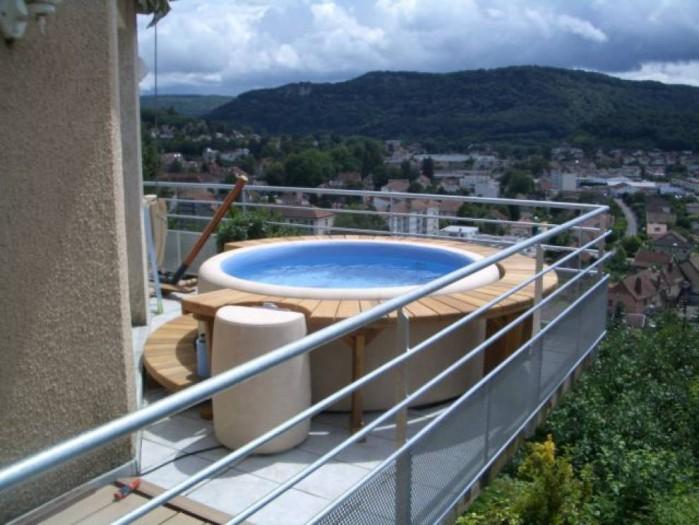 spa gonflable sur balcon