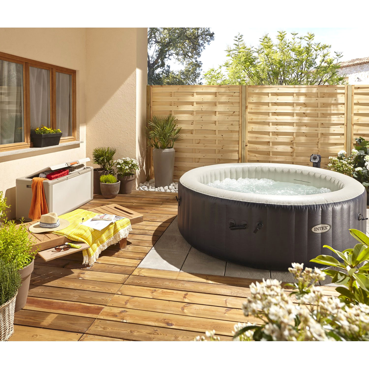 spa gonflable terrasse bois