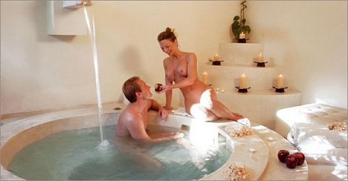 spa jacuzzi couple