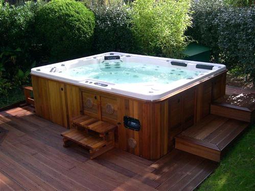 spa jacuzzi exterieur bois