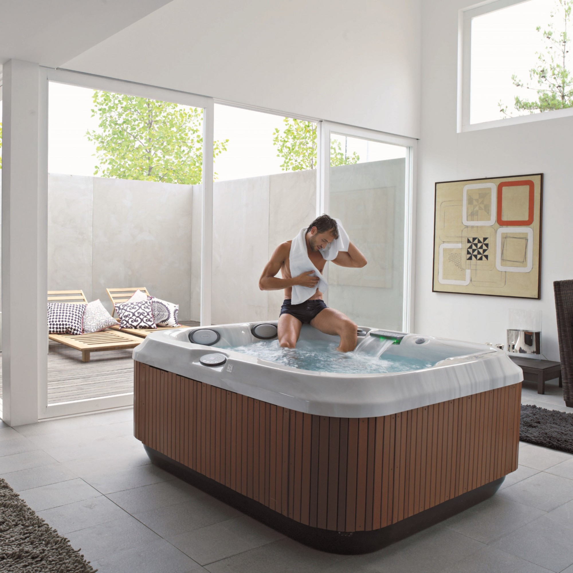 spa jacuzzi orange