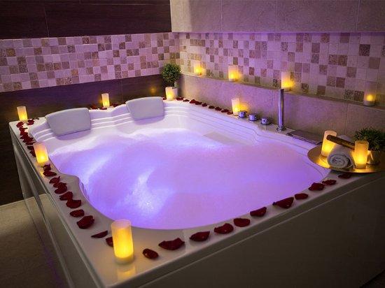 spa jacuzzi wellness